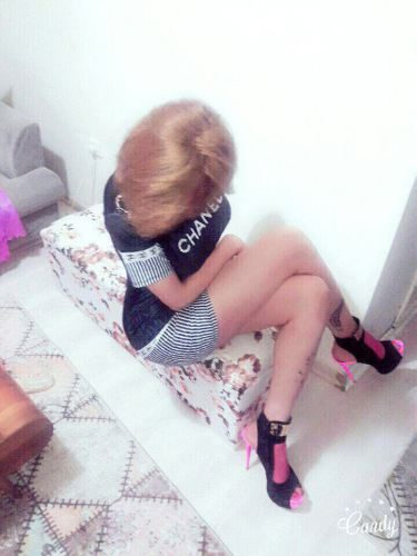 Baştan çıkaran deneyimli kız Diba