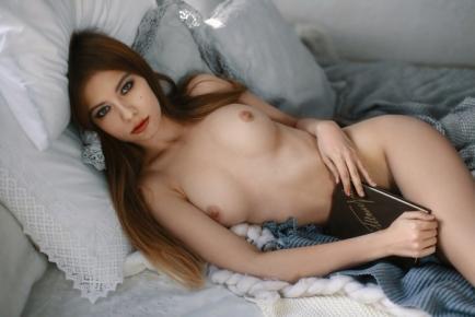 Neşeli masöz kadın Pervin