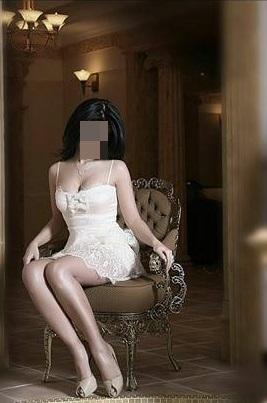 Seks kraliçası oral yapan kadın Bestegül
